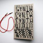 """Zuzanna Gronowicz, """"SYNTH book"""", okładka książki o syntezatorach analogowych"""