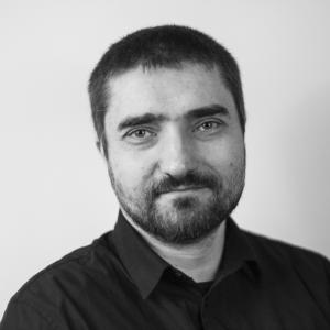 dr Daniel Zieliński